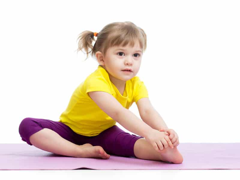 formation-yoga-enfant-devenir-professeur-de-yoga-pour-enfants-posture-de-yoga-enfant